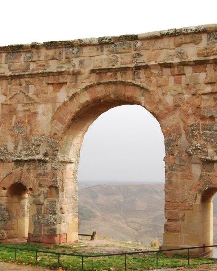 Qué ver en Soria - Arco de Medinaceli