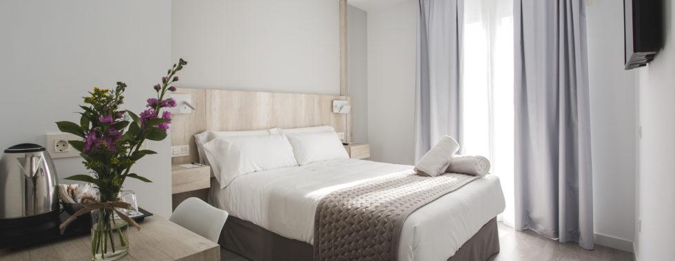 Habitación matrimonio Hotel Ábaster en Soria