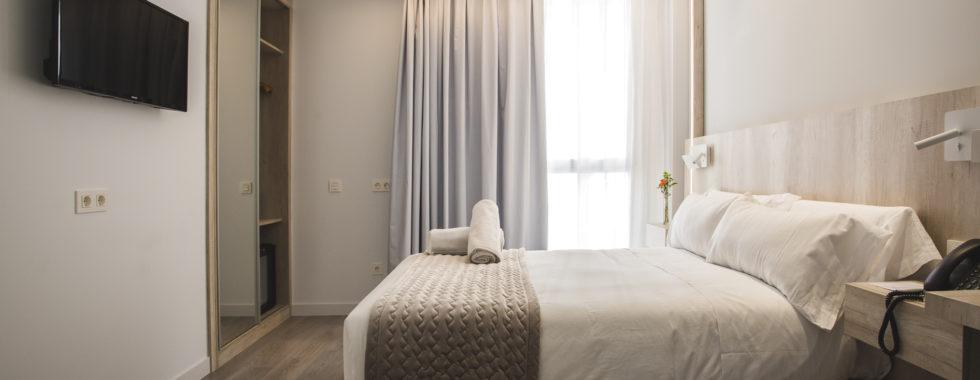 Habitación doble adaptada hotel Ábaster en Soria