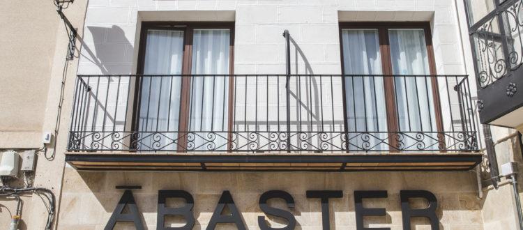 Fachada hotel en Soria 1